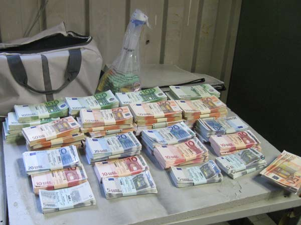 Im Schatten Arslan Geldproduktion